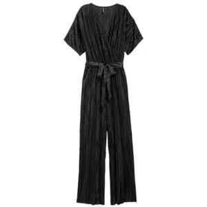 NEW H&M Pleated Tie Waist Black Jumpsuit NWT